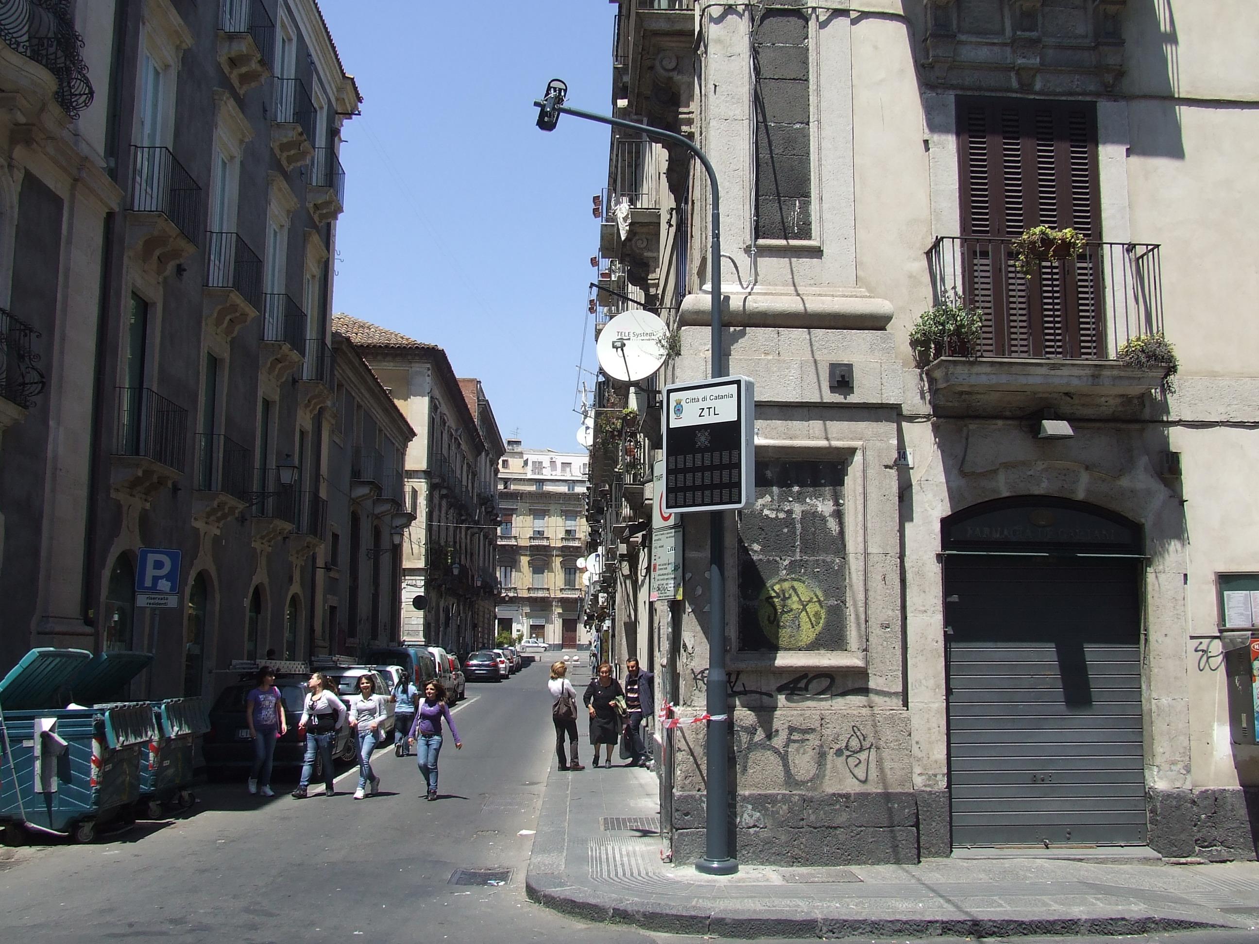 Galleria immagini ztl bellini sistema controllo accessi for Ufficio decoro urbano catania